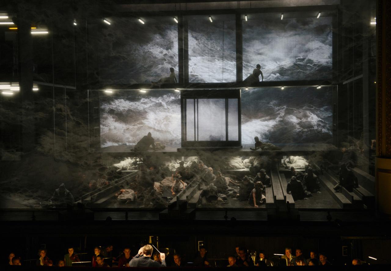 Mise en scène : Nicolas Brieger: Lumières : Friedrich Rom