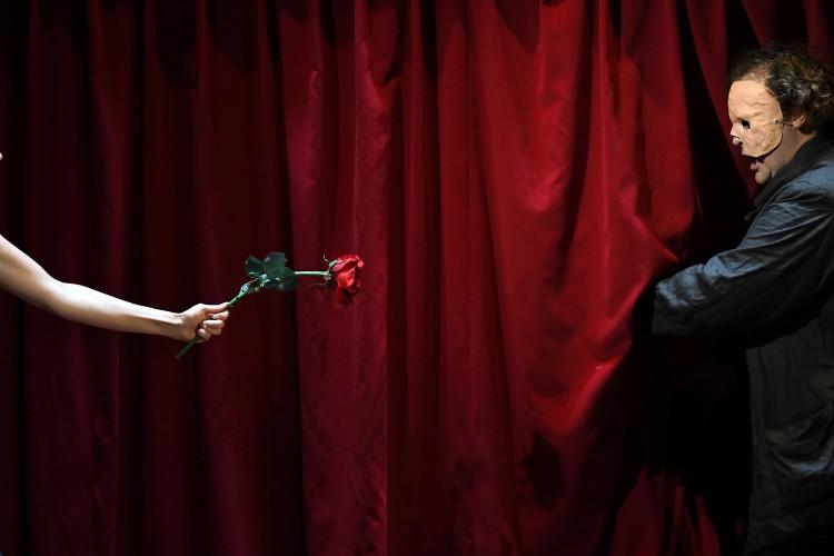 iMise en scène : Kristian Fredric Lumières : Nicolas Descoteaux
