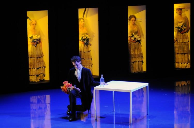 Mise en scène et lumières :  Philippe Arlaud